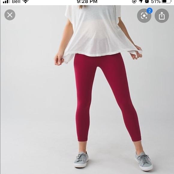 Lululemon High Times 7/8 legging cranberry size 6